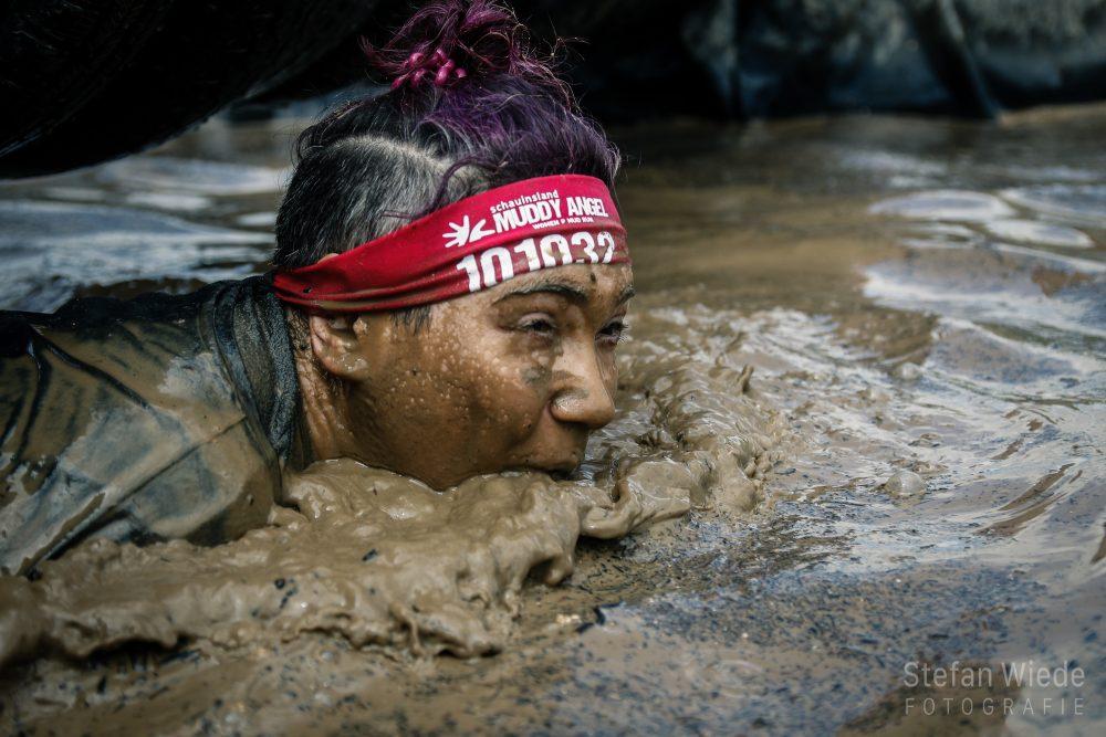 Mit dem Kopf mehr unter als über dem Wassser - Muddy Angel Run 2019
