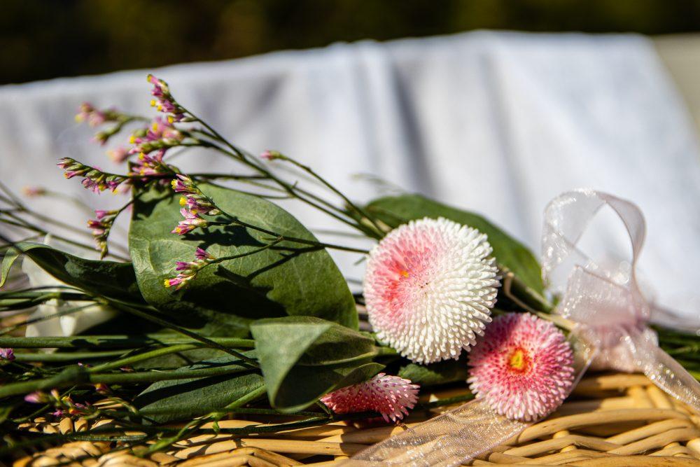 Blumen auf einer Beerdigung - Stefan Wiede Fotografie