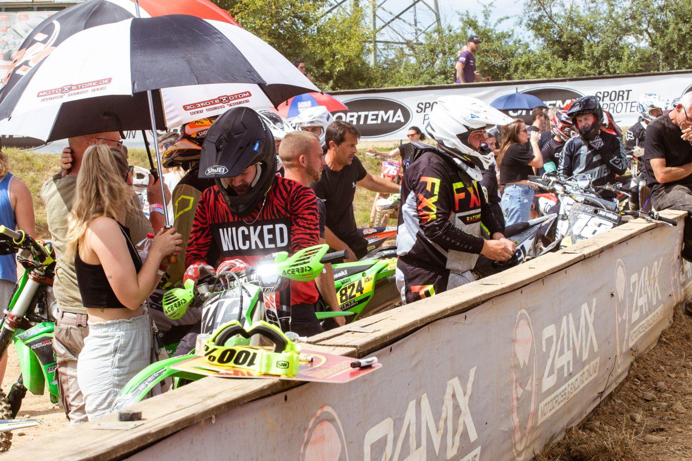 Startvorbereitung Motocross